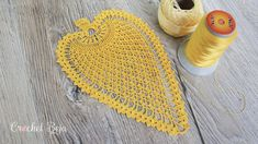 This Pineapple Motif is perfect for many kind of crochet projects. I've made some doilies in different colors to show you the looks you can get with the Pineapple Motif.