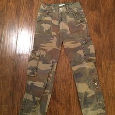 Abercrombie and Fitch pants Abercrombie and Fitch pants Abercrombie & Fitch Pants Trousers
