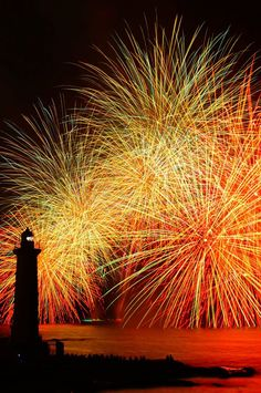 Fireworks in Mihama, Aichi, Japan | Ryota Kawakami 野間灯台と花火