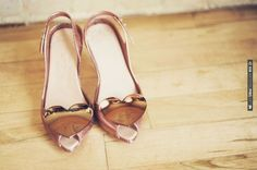 pretty shoes | CHECK OUT MORE IDEAS AT WEDDINGPINS.NET | #weddingshoes