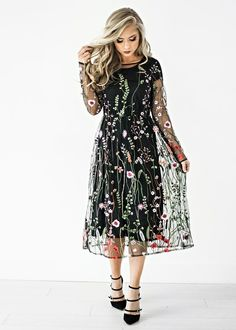 Holly Embroidered Dress: JessaKae Original, holiday dress, christmas dress, embroidered, makeup, blonde hair, jessakae, style, fashion, ootd, holiday hair and makeup