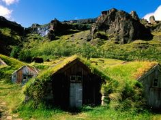 The Icelandic turf houses were the product of a difficult climate, offering superior insulation compared to buildings solely made of wood or stone, and the relative difficulty in obtaining other construction materials in sufficient quantities. Iceland was fully forested when it was settled with forests of birch trees. Iceland did have a large amount of turf that was suitable for construction.
