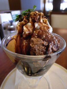 ロイヤルホスト チョコレートパフェ