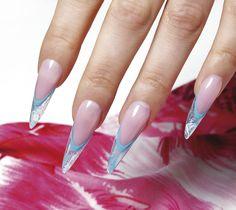 Coloratissimo, allegro, avventuroso. Il #surf style approda sulle #unghie. Ecco l'idea di Simona Ganderova, campionessa olimpica e international master educator Crystal Nails. #nailart #manicure #polish #summer