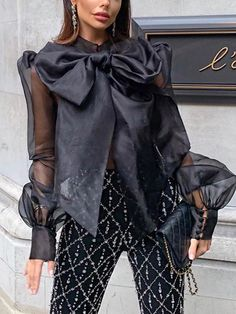 Casual Tops, Casual Shirts, Perspective, Look Fashion, Womens Fashion, Collar Designs, Moda Online, Blouse Online, Types Of Shirts