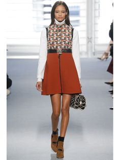 Malaika Firth http://www.vogue.fr/mode/mannequins/diaporama/les-mannequins-du-numero-d-avril-2014-de-vogue-paris-cameron-russell/18387/image/994346#!malaika-firth-mario-testino-vogue-paris-avril-2014