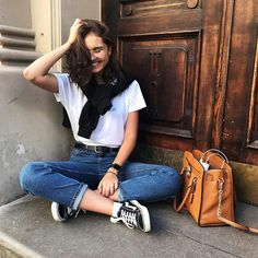 your current situation is not your final destination🕊 Trendy Clothes For Women, Trendy Outfits, Cute Outfits, Fashion Outfits, Foto Casual, Instagram Pose, Instagram Ideas, Wild Girl, Foto Pose
