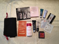 We are giving these make up samples for you ♥     Enter to win: http://yofreesamples.com/samples-without-surveys/win-a-beauty-bag-from-yofreesamples/