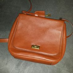 NWOT Fossil crossbody bag This bag has been worn once and in perfect conditions, inside and outside it is extremely clean. No stains, no idors, no marks. Perfect! Fossil Bags Crossbody Bags
