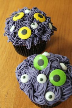 How to Make Spooky Cupcakes #Halloween #Baking