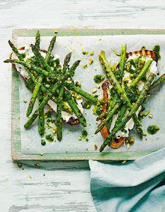 Enhance your lunch with a seasonal asparagus dish