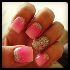 Pink ombré nails with sparkle manicure Fancy Nails, Love Nails, How To Do Nails, Pretty Nails, My Nails, Heart Nails, Creative Nail Designs, Cute Nail Designs, Creative Nails