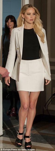 Jennifer Lawrence wears skirt suit alongside co-star Chris Pratt at Passengers photocall | Daily Mail Online
