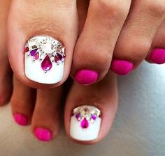 New french pedicure designs toes summer Ideas French Pedicure, Pedicure Nail Art, Toe Nail Art, French Nails, Pedicure Ideas, French Manicures, French Toes, Pink Pedicure, Flower Pedicure Designs