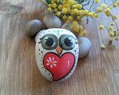 Hand-painted on stone - Owl hand-painted on stone