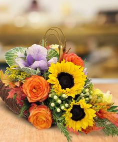 A capacious #cornucopia of color, this festive centerpiece is perfect for your #Thanksgiving table.