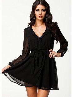 Wrapped Dress - Nly Trend - Schwarz - Partykleider - Kleidung - Damen - Nelly.de Mode Online