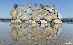 Stone balance art in Hungary by Tamas Kanya by on DeviantArt Environmental Sculpture, Ephemeral Art, Balance Art, Rock Sculpture, Organic Art, Driftwood Art, Parcs, Outdoor Art, Pebble Art