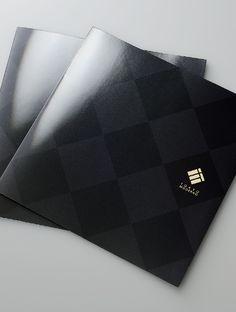 格調高い高級パンフレットデザイン作成|会社案内 パンフレット専科