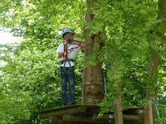 Plusieurs parcours accrobranches proposés dans le département : St Césaire, Château d'Oléron, La Palmyre, St Bris des Bois ... Profitez-en ! | Charente-Maritime Tourisme #charentemaritime | #accrobranche | #loisir | #famille | http://www.en-charente-maritime.com/tourisme/activites/famille/accrobranche | © CDCHS - V. SABADEL