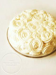 Torta di Rose con Crema Pasticcera e Fragole+ricetta del pan di spagna e della crema pasticcera