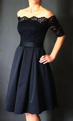 bf27096319cc Spoločenské šaty s holými ramenami a skladanou sukňou rôzne farby   Dyona
