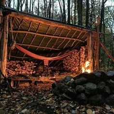 Awesome setup, ready for use with a nice warm fire. Double tap the image to show the love.  #getoutside #campvibes #menofoutdoors  Visit Survival Life TODAY for more bushcrafting facts and survival news. Click the #linkinbio  Repost and image from @woodsy_welshman_bushcraft