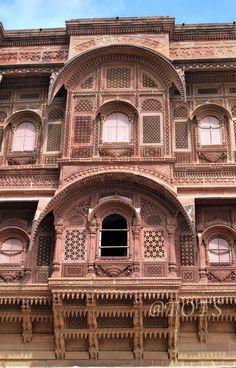 Jodhpur was amazing. Landscape Architecture Section, Monumental Architecture, Mughal Architecture, Ancient Architecture, Modern Architecture, Beautiful Buildings, Beautiful Places, Places To Travel, Places To Visit