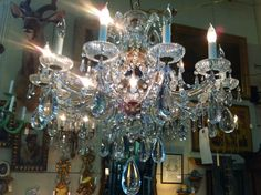 Beautiful Crystal Chandelier.. the prisms are huge.