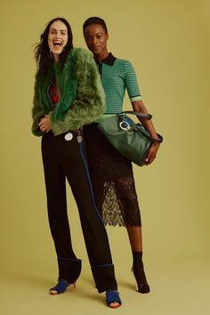 See the complete Diane von Furstenberg Pre-Fall 2017 collection.