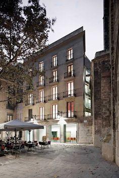 Ludoteca y Centro de Recursos Educativos de Ciutat Vella � Taller 9S Arquitectes