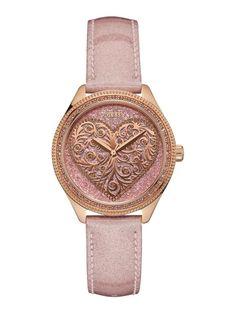 Sofisticado y a la moda, este reloj es el complemento perfecto para completar los looks de fin de semana. El cuadrante degradado confiere a quien lo lleva una elegancia imperecedera.<br /><br />Versión plateada:<br /><ul><li>Color del cuadrante: rosa.</li><li>Color de la caja: plata.</li><li>Color de la correa: plata.</li></ul><br /><br />Versión dorada:<br /><ul><li>Color del cuadrante: azul.</li><li>Color de la caja: oro.</li><li>Color de la correa: oro.</li></ul><br /><br />Versión oro…