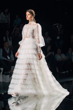 Victorian Inspired Gowns / Yolan Cris Spring 2016 Bridal