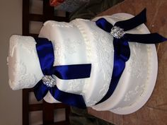 Lace with blue wedding cake