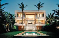 contemporary beach houses villas | Modern beach villa in Salt Rock «