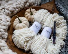 Crochet Crop Top Pattern - MJ's off the Hook Designs Gilet Crochet, Crochet Cardigan Pattern, Knit Crochet, Crochet Patterns, Crochet Sweaters, Diy Crochet Crop Top, Easy Crochet, Patterned Bomber Jacket, Crop Top Pattern