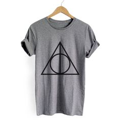 Heather Grey Geometric Print T-shirt (53 BRL) ❤ liked on Polyvore featuring tops, t-shirts, shirts, harry potter, geometric shirt, sleeve t shirt, round top, round t shirt and geometric print t shirt