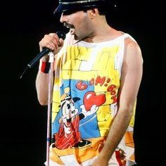 Queen E, Queen Band, Queen Of Everything, Queen Freddie Mercury, Great Bands, Gay, Buttery Rolls, Rami Malek, Singer