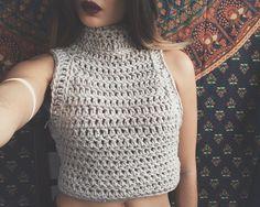 chunky crochet crop top // turtleneck crochet tank
