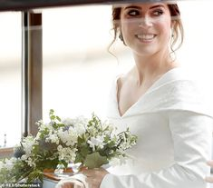 Princess Eugenie Royal Wedding Oct 12 2018 The grand setting, glorious music and the couple's obvious love for each other ensured a m. Princess Eugenie Jack Brooksbank, Royal Princess, Princess Diana, Royal Brides, Royal Weddings, Eugenie Wedding, Queen Victoria Family, English Royal Family, Wedding Bride