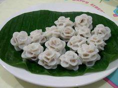 bánh hoa hồng - white rose dumplings from Việt Nam