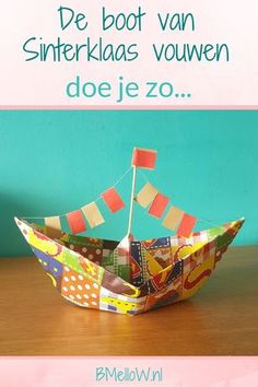 De boot van Sinterklaas vouwen doe je zo. BMelloW.nl (1) Fall Outfits Pinterest, Diy For Kids, Crafts For Kids, 3 Year Old Activities, St Nicholas Day, Fun Craft, Cute Boots, Decorative Bowls, Origami