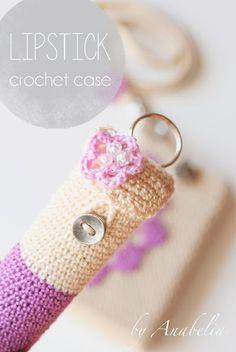 Porta burrocacao all'uncinetto: #moderno, #utile, #bello   Lipstick crochet case   #crochet