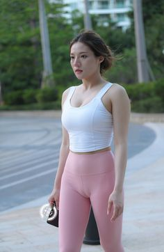 Girls In Leggings, Workout Wear, Leggings Fashion, Yoga Pants, Tights, Sporty, Fitness, How To Wear, Outfits