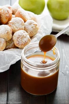 This homemade caramel sauce recipe is super easy to make. It is a versatile sauce that can be used for dipping, drizzling over ice cream, or served on top of other decadent desserts.