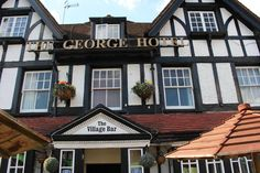 £67.50 In picturesque Pangbourne, just metres from the scenic River Thames, The George Hotel features a traditional bar with Wi-Fi access.