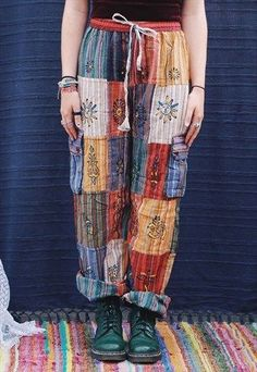 Fairtrade Multi Colored Patchwork Hippie Trousers Pants - The Latest In Bohemian Fashion These Literally Go Viral Retro Stil, Vintage Stil, Looks Vintage, Vintage Hippie, Look Fashion, Diy Fashion, Ideias Fashion, Fashion Outfits, Bohemian Fashion