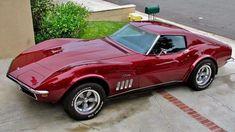 1969 Corvette Stingray in red! Corvette Stingray 1969, Old Corvette, Classic Corvette, Chevy Classic, Classy Cars, Sexy Cars, Hot Cars, Lamborghini, Exotic Cars
