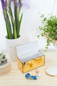 DIY Mirrored Perspex box v. Design Sponge