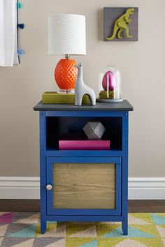Today's Bring on the blues to create a calming, cool vibe in your little one's room. 🧸 Krylon Colors Used: COLORmaxx Satin Iris (Table frame) and Chalky Finish Brush-On Anvil Gray (Tabletop). Spray Paint Crafts, Spray Paint Projects, Krylon Colors, Chalkboard Spray Paint, Table Frame, Kids Decor, Home Decor, Easy Projects, Calming